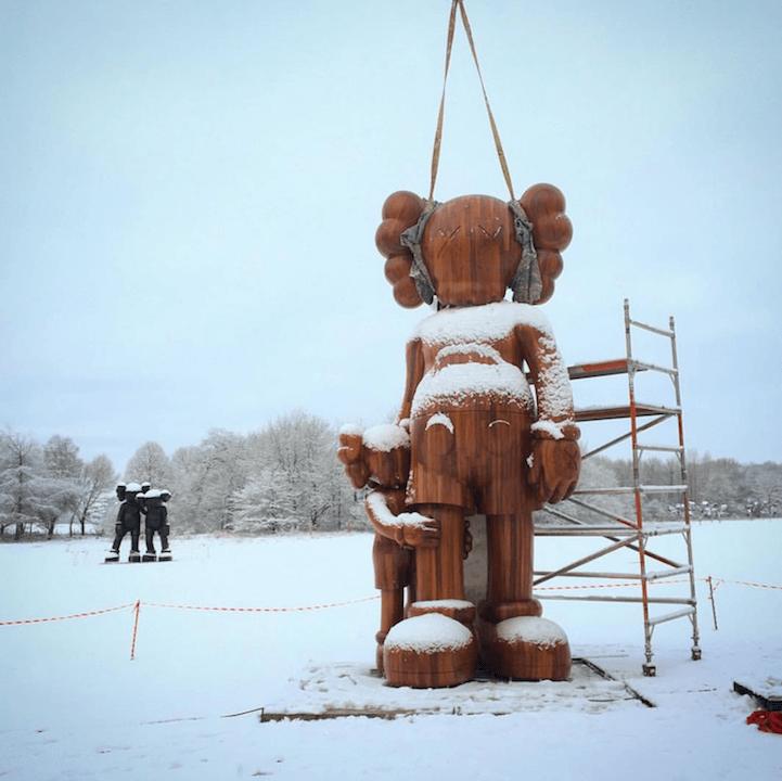 kaws-sculptures-yorkshire-sculpture-park-fy-5