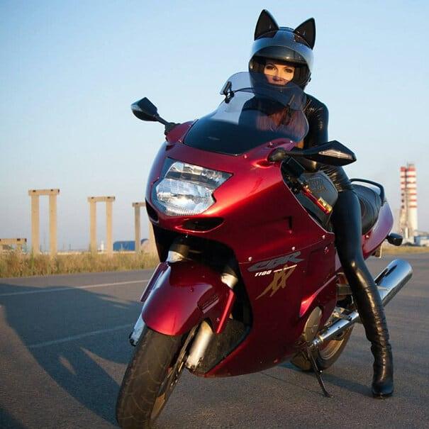 cat-helmets-fy-2