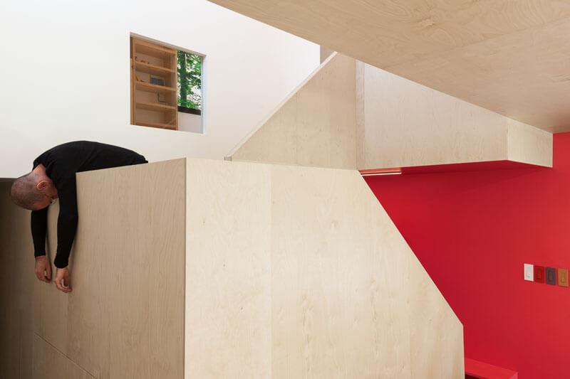 modern-cabin-hemlock-forest-quebec-canada-12
