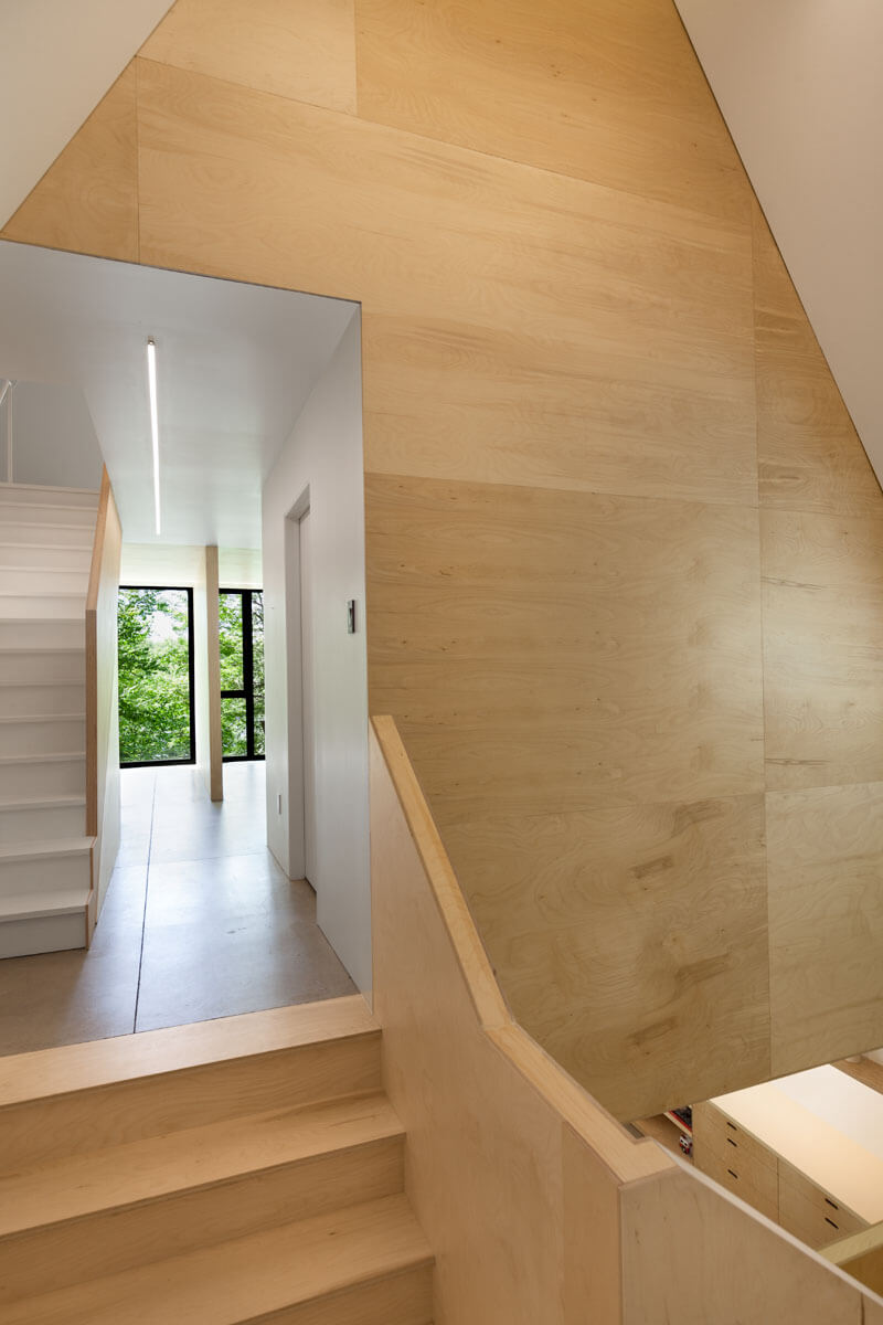 modern-cabin-hemlock-forest-quebec-canada-13