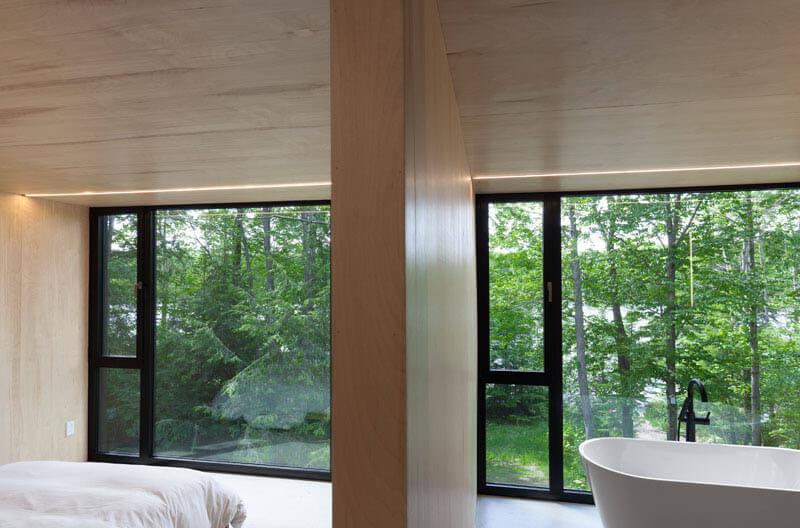 modern-cabin-hemlock-forest-quebec-canada-14