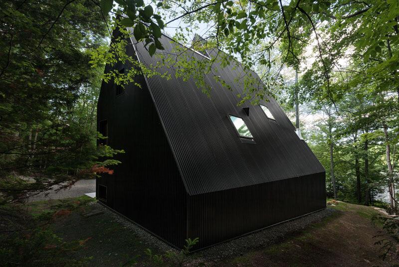 modern-cabin-hemlock-forest-quebec-canada-3