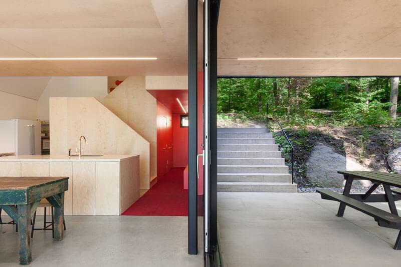 modern-cabin-hemlock-forest-quebec-canada-8