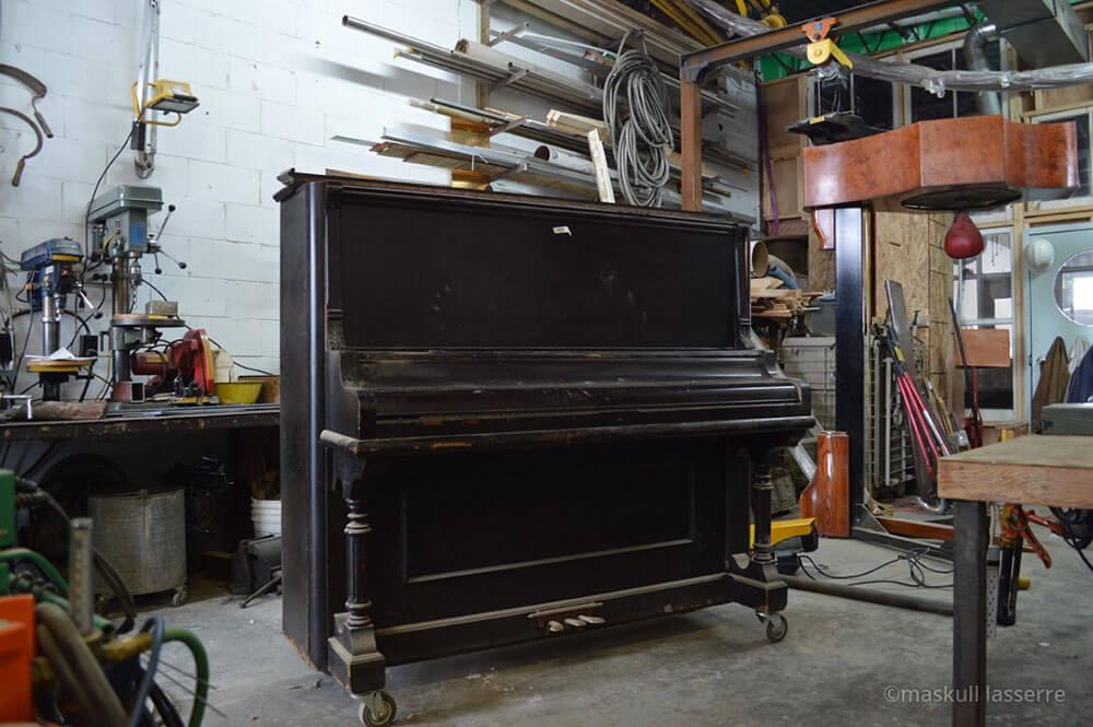 piano-wishbone-6
