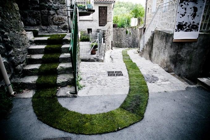 4156e street art moss graffiti Jaujac 1