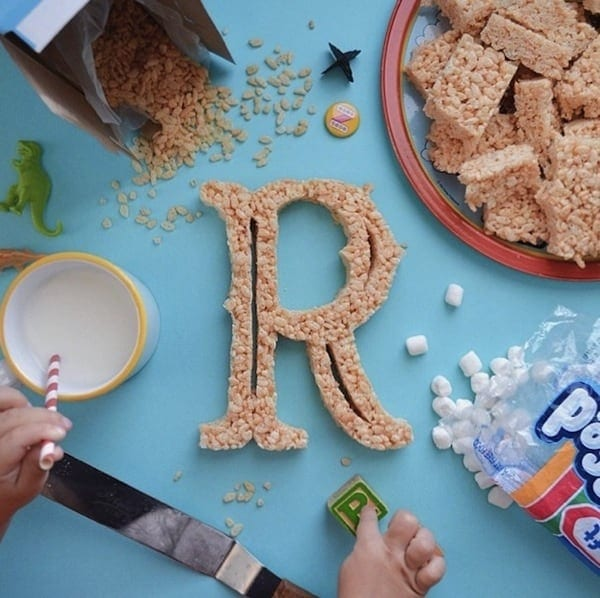 AtoZoë Dad Teaches Daughter The Alphabet By Shaping Letters Out Of Yummy Food 2014 01