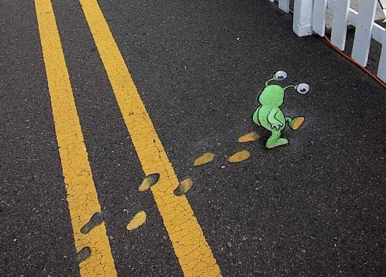 Chalk and Charcoal Art by David Zinn in the Streets of Ann Arbor Michigan 2014 01
