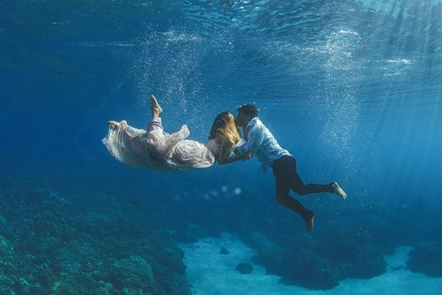 The Underwater Wedding Portraits 0