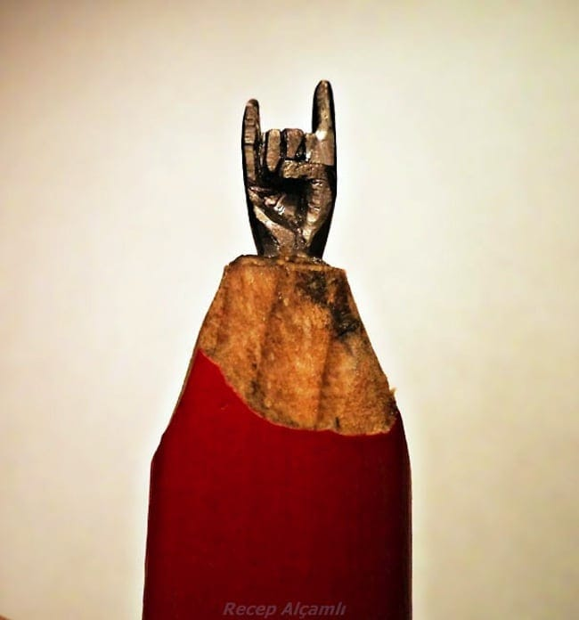 Tiny Sculptures Carved Into Pencil Tips by Recep Alcamli 2014 01