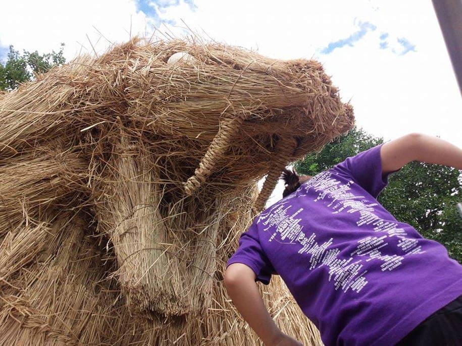 dinosaur straw sculptures wara art festival 2015 niigata japan 12
