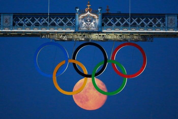 full moon olympic rings london bridge 2012