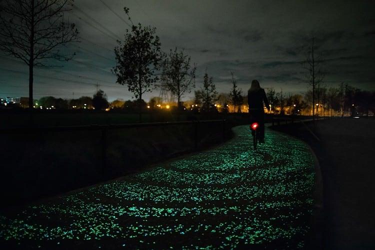 glow in dark bikepath van gogh 01