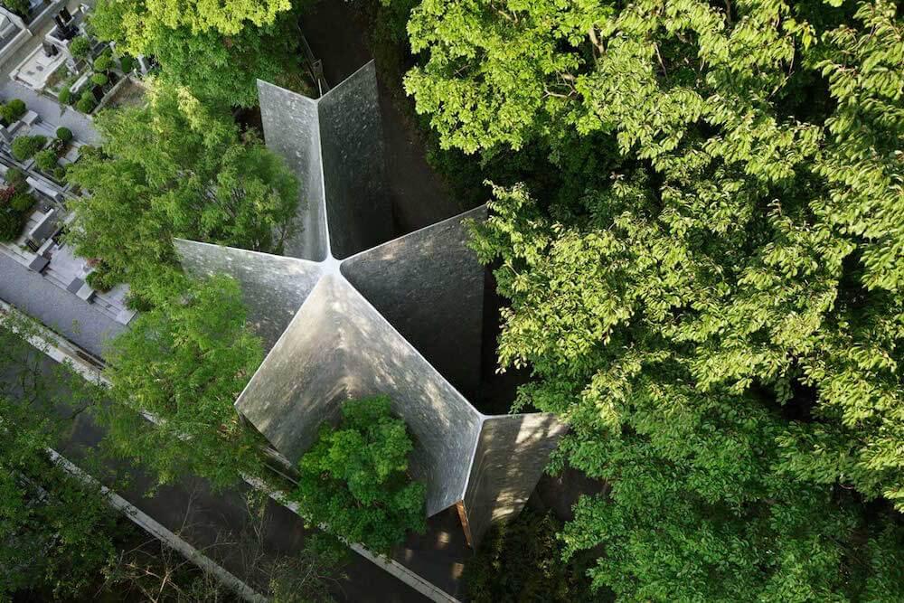 solemn-sayama-forest-chapel-1