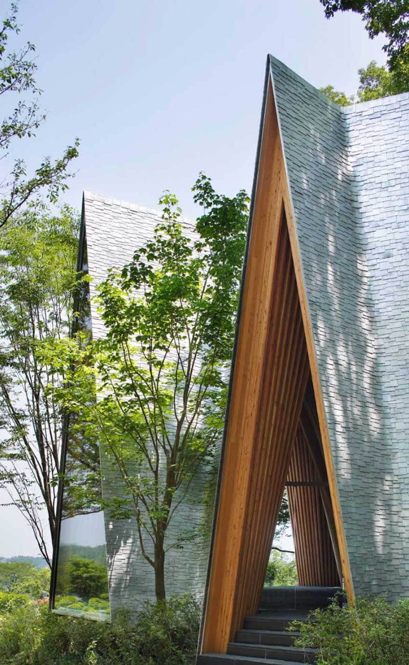 solemn-sayama-forest-chapel-2