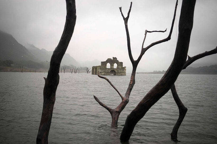 submerged church emergence temple santiago quechula mexico 3