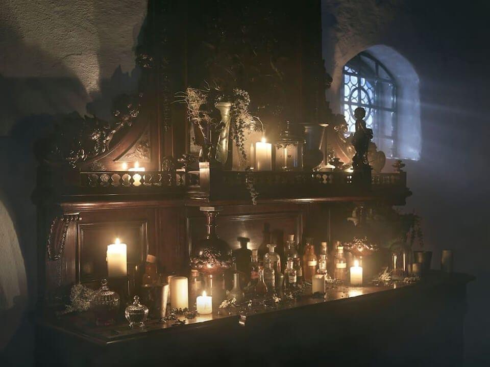 night-draculas-castle-transylvania-4