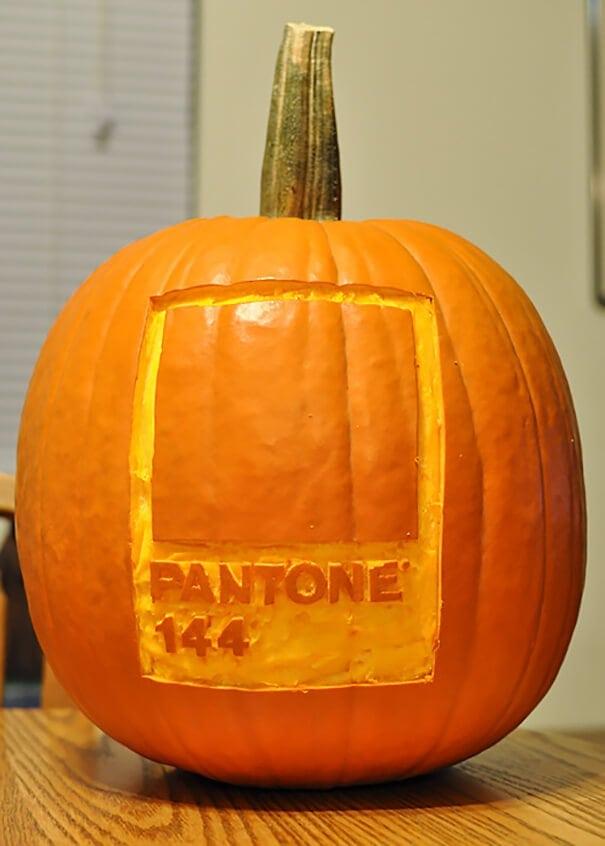designer-pumpkin-carvings-8