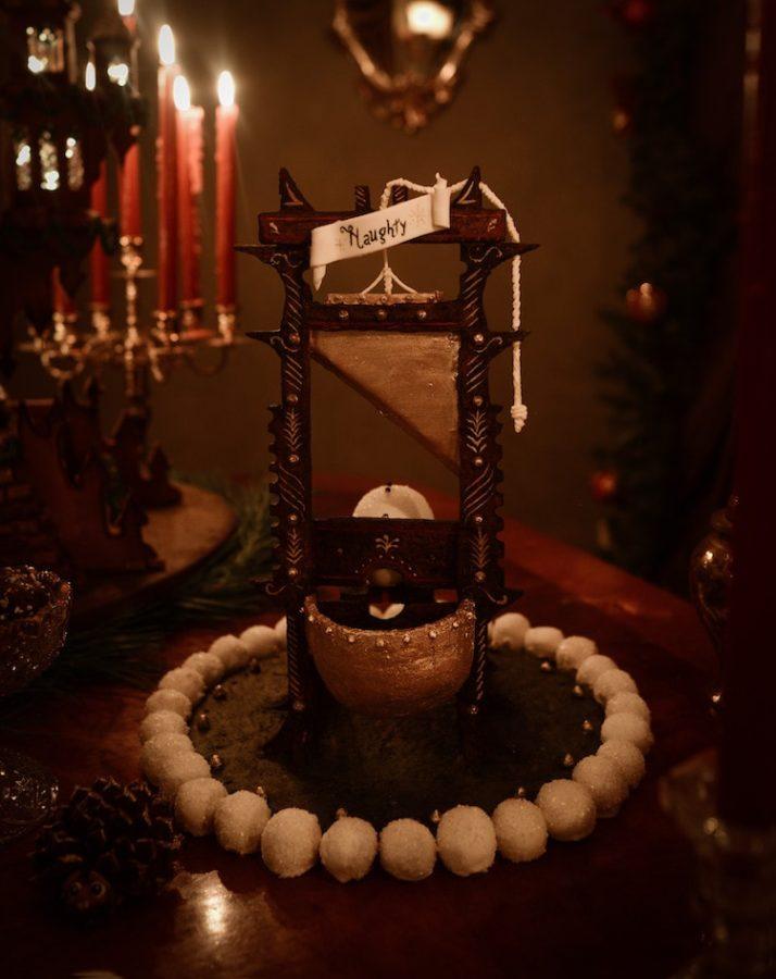 christine-mcconnell-gingerbread-castle-12-min