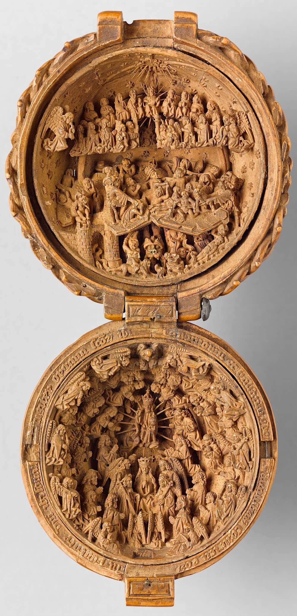 16th century miniature boxwood carvings 2