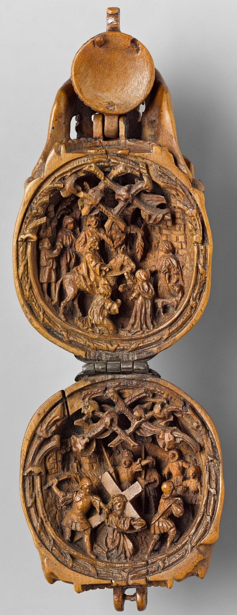 16th century miniature boxwood carvings 3