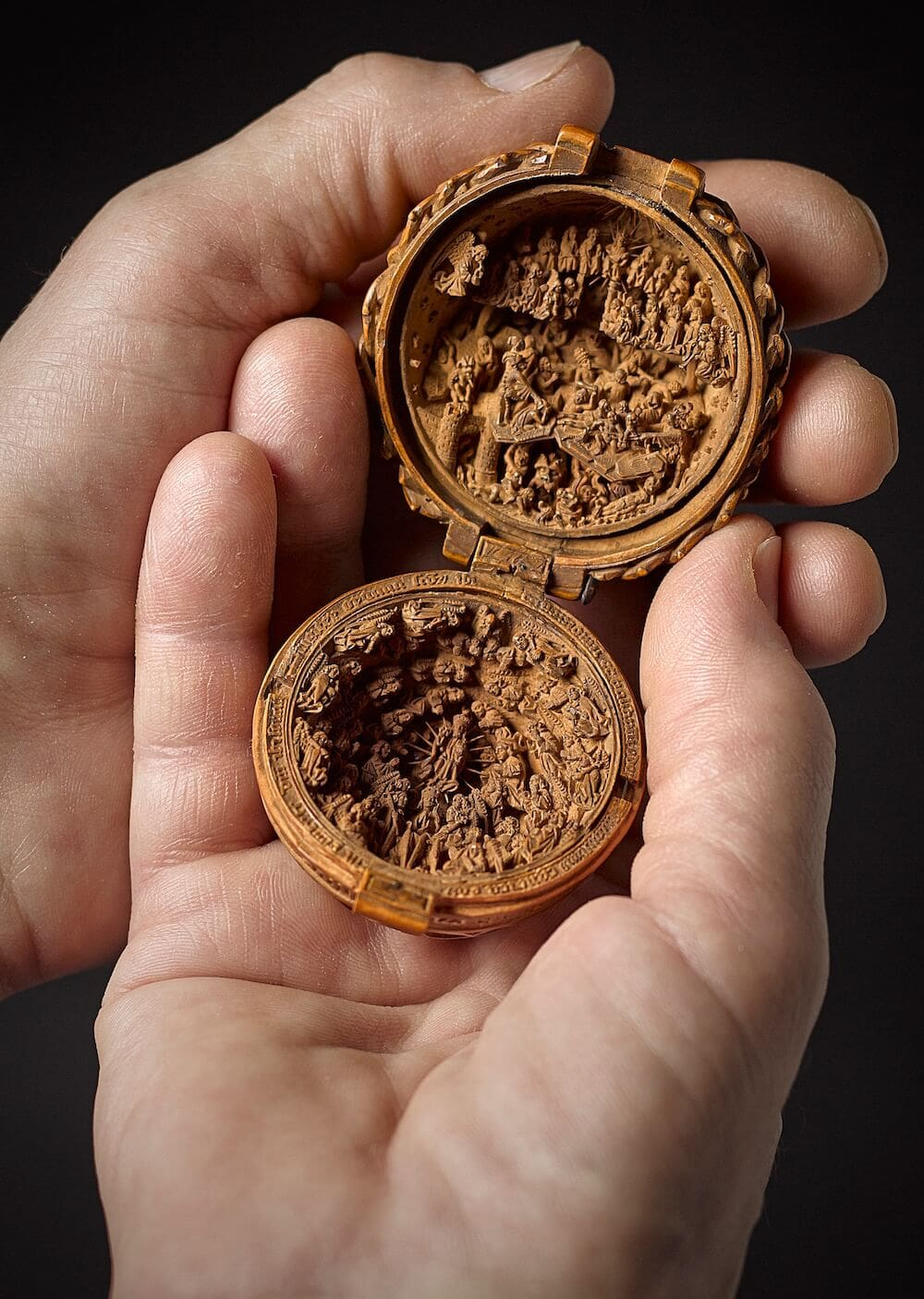 16th century miniature boxwood carvings 5