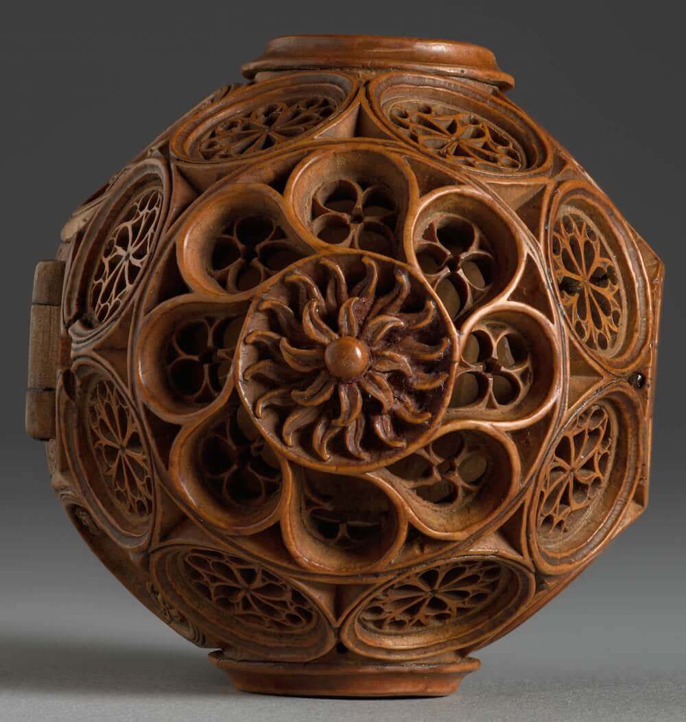 16th century miniature boxwood carvings 6