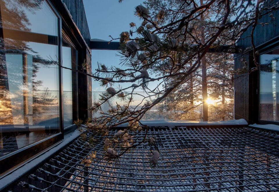 snonettas swedish treetop cabin 6