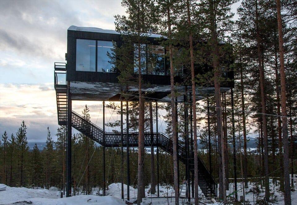 snonettas swedish treetop cabin 8