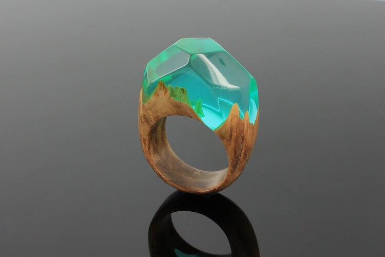 miha debeljak resin jewelry 17