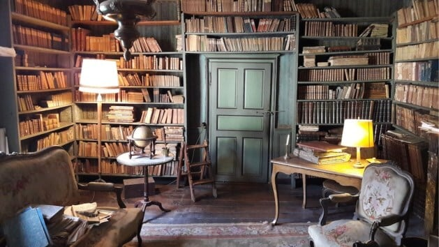 stunning 200 year old library discovered first time in bouillon brussels fy 1