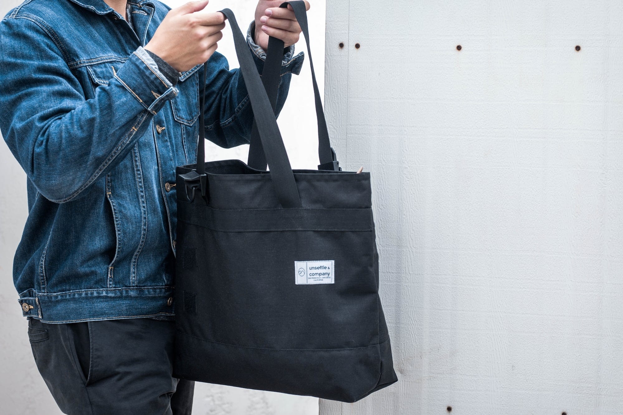 commuter tote bag lifestyle 3