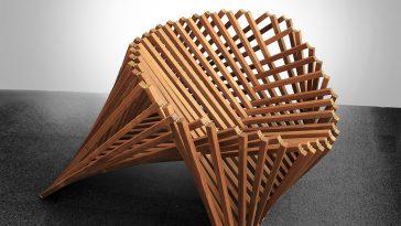 Rising Chair teak Robert van Embricqs