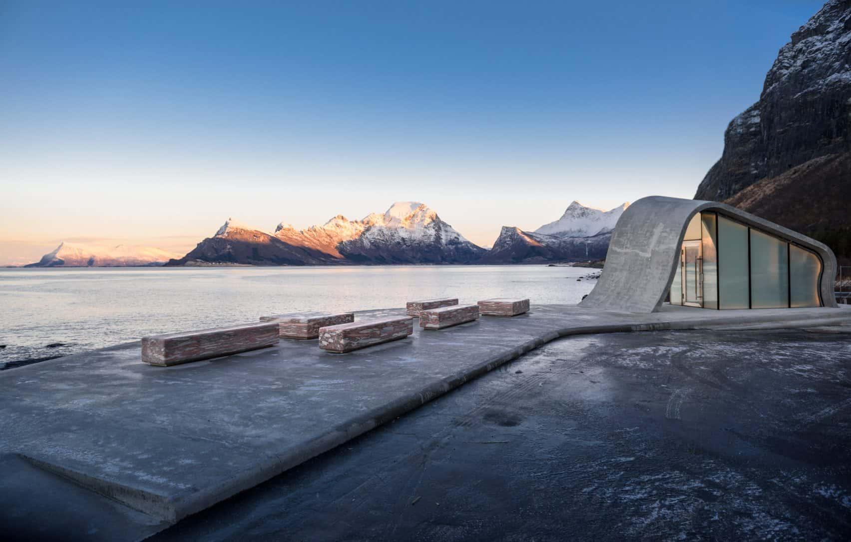 haugen zohar arkitekter hza wave shaped toilet facility norwegian scenic route 10