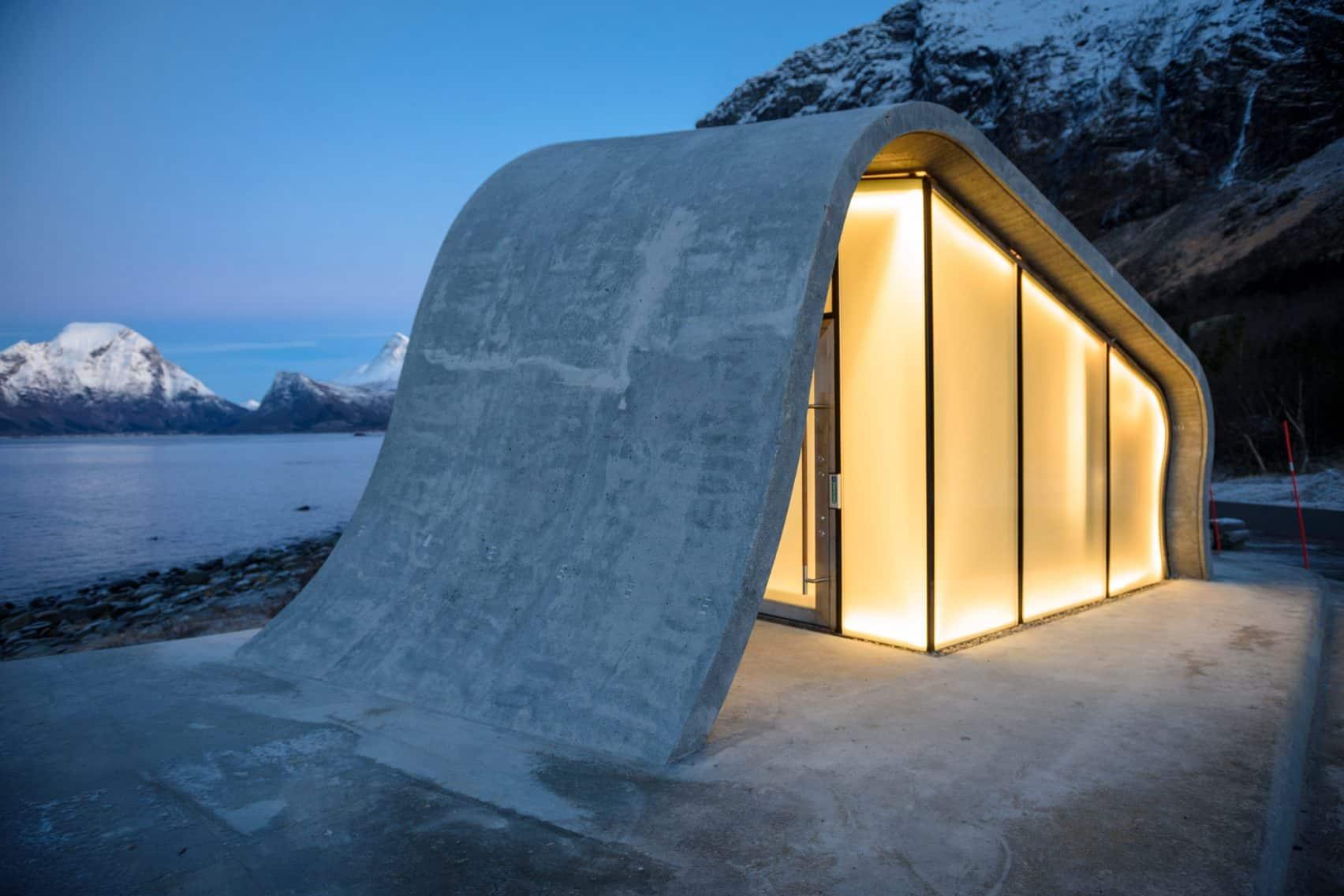 haugen zohar arkitekter hza wave shaped toilet facility norwegian scenic route 13