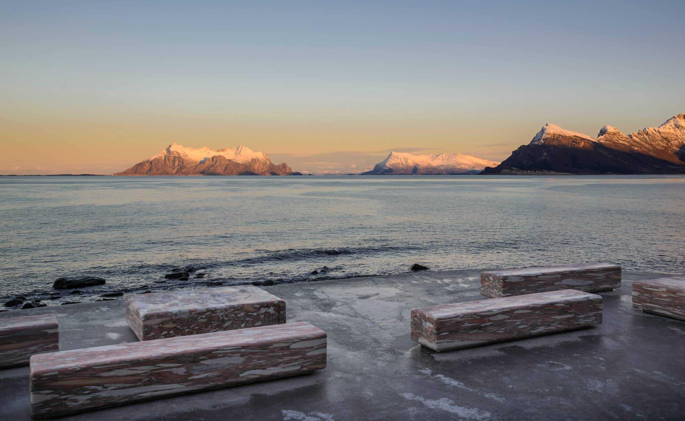 haugen zohar arkitekter hza wave shaped toilet facility norwegian scenic route 7