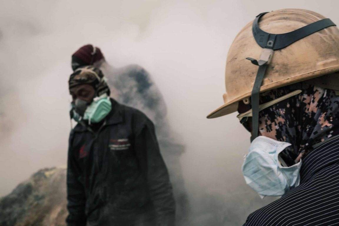 Gas Mask Mt Ijen LQ min 1