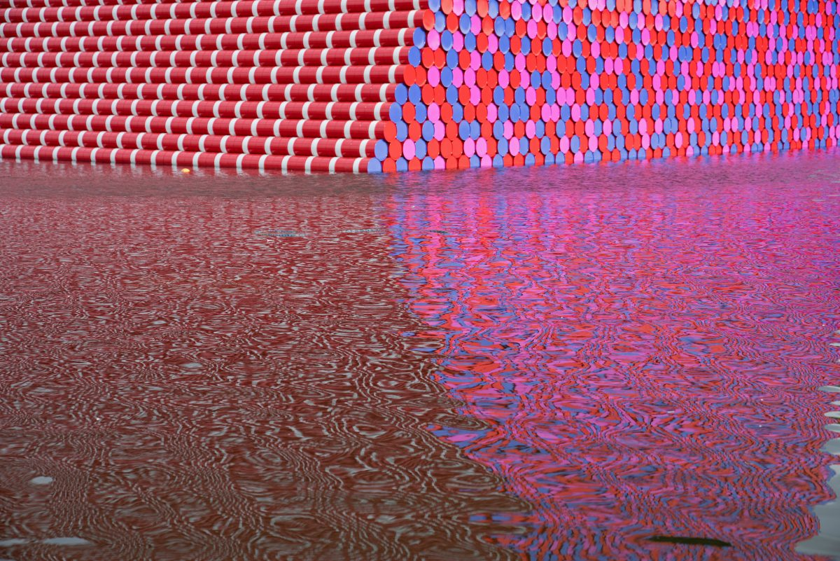 christo the london mastaba serpentine 3
