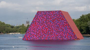christo the london mastaba serpentine 6
