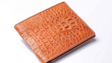 light brown hornback crocodile mens wallet 1500x