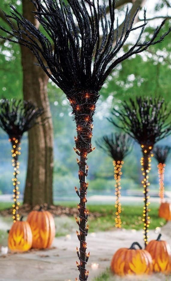DIY Halloween Decoration Ideas to help you have fun without spending much 46