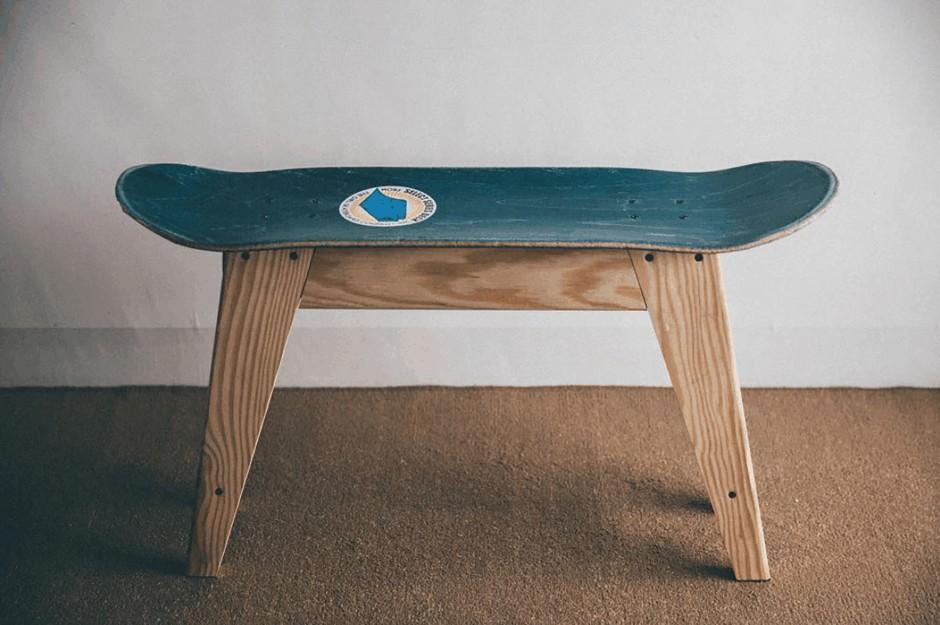 af4e3849 0c1a 4f01 967d 9d851a2b2d46 28 upcycling ideas skateboard table