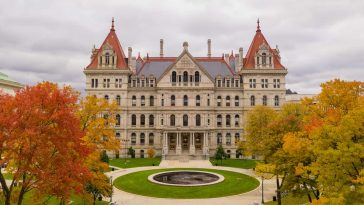 fall season new york statehouse capitol building ASQR9TY