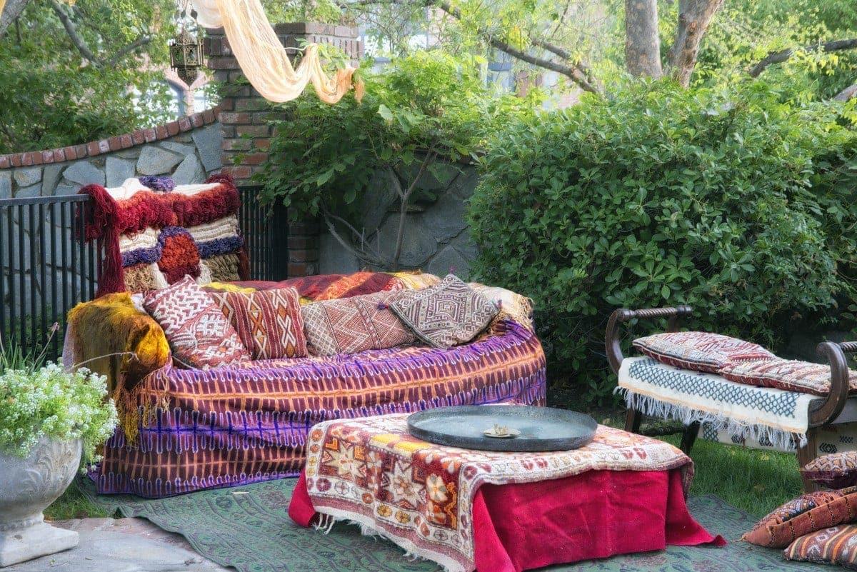 bohemian outdoor party setting t20 XQ0RYR