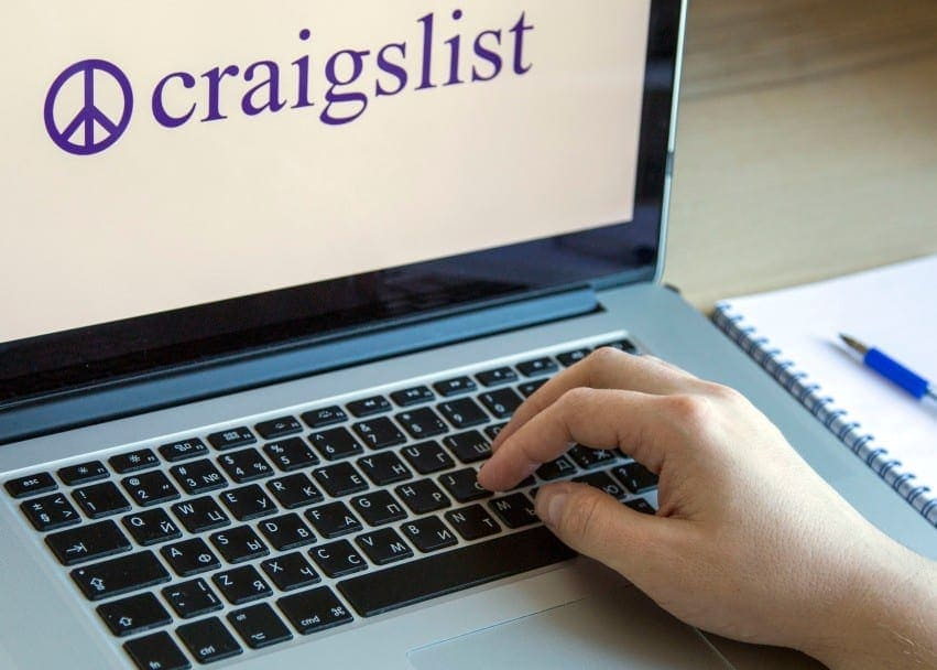 moscow russia october 11 2018 craigslist logo on a display of laptop craigslist is an american t20 eV7mpL