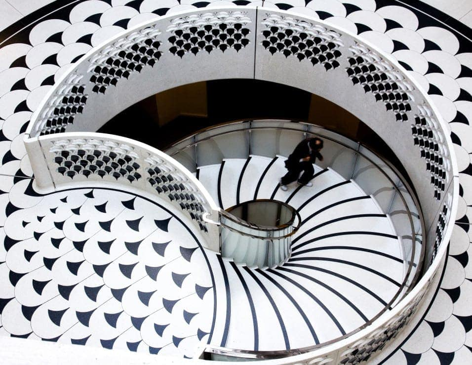 tate britain staircase london england t20 BENZPr