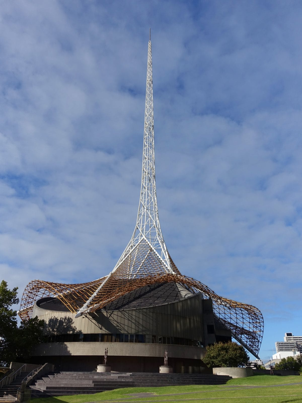 This image has an empty alt attribute; its file name is the-melbourne-arts-centre-spire_t20_2JXLm6-1200x1600.jpg