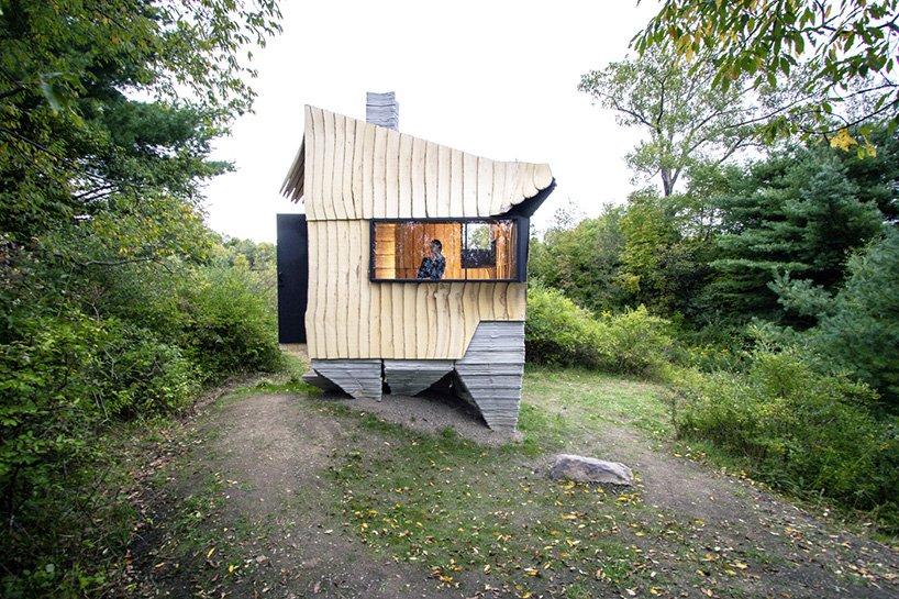 HANNAH ashen cabin designboom 001