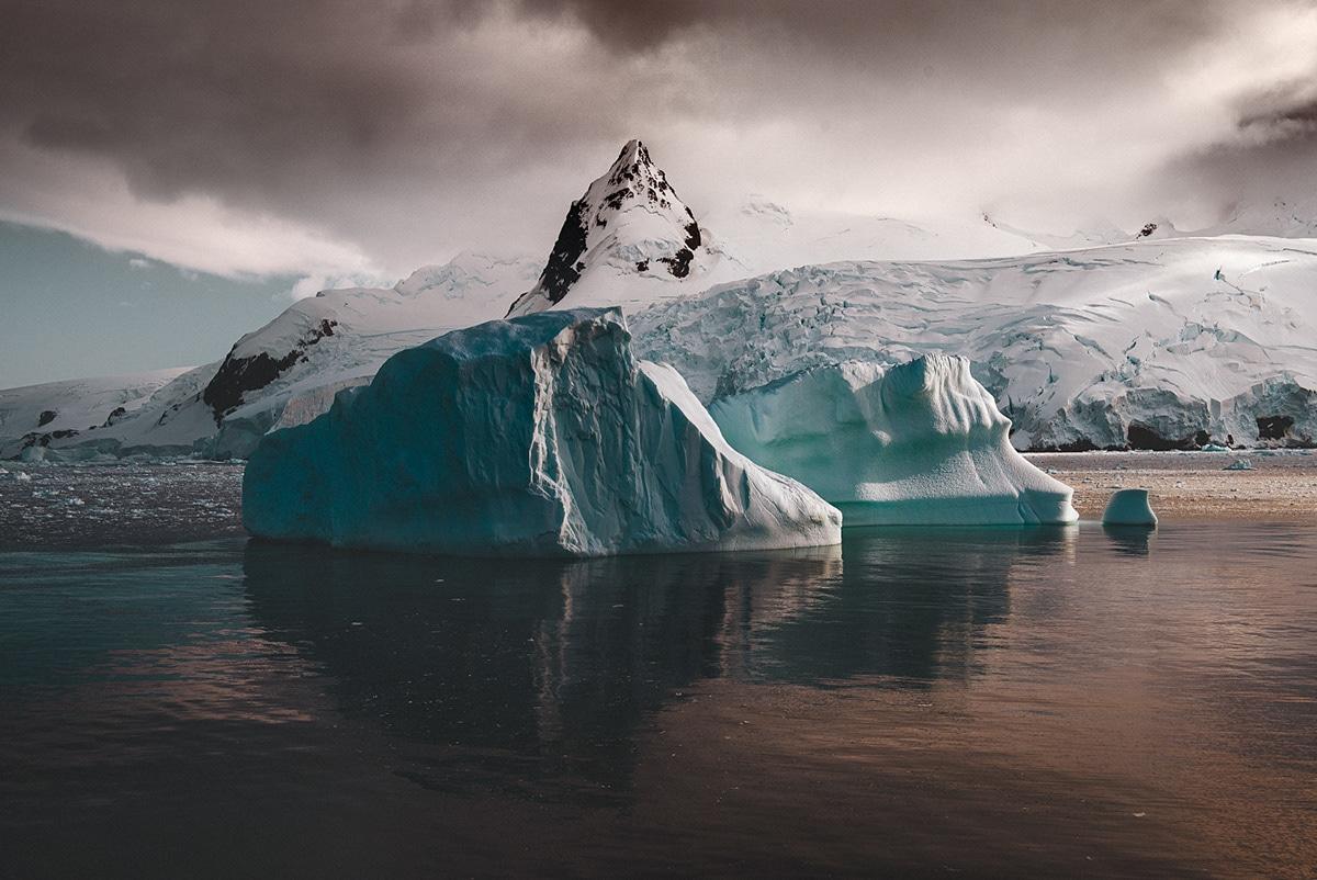 leah kennedy antarctica light 1