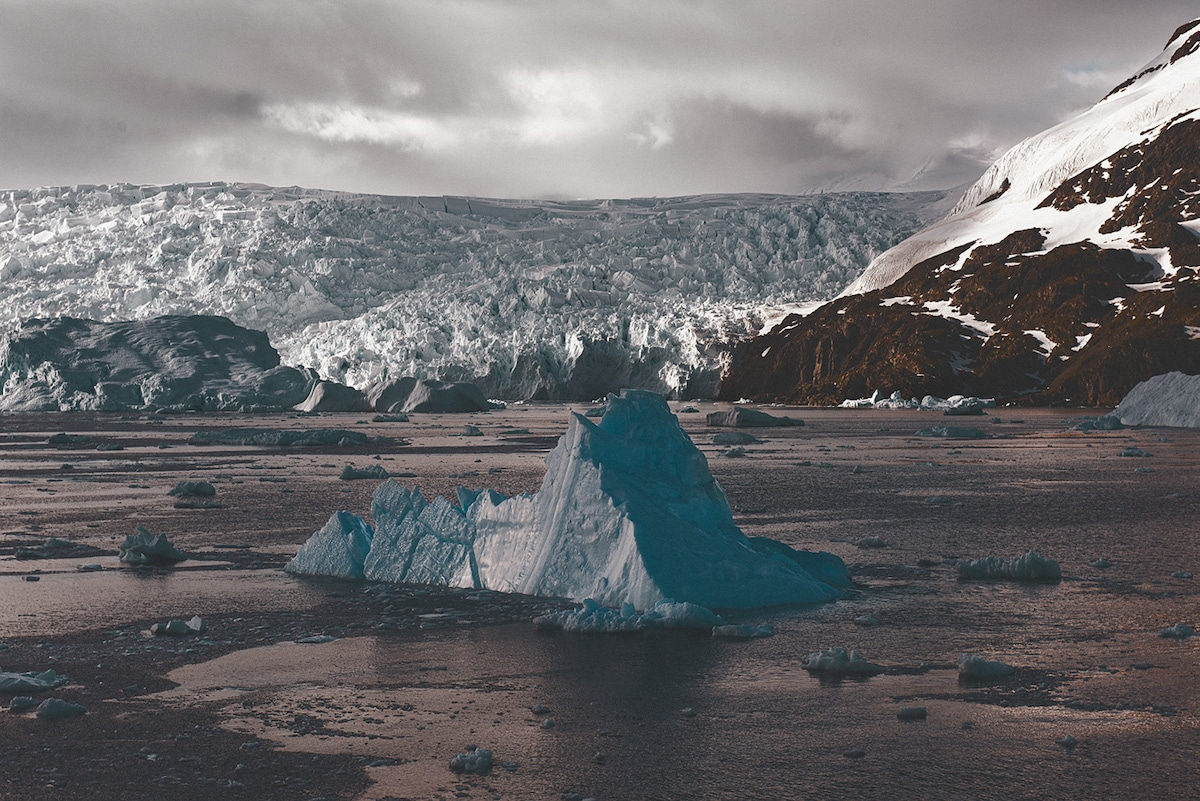leah kennedy antarctica light 10