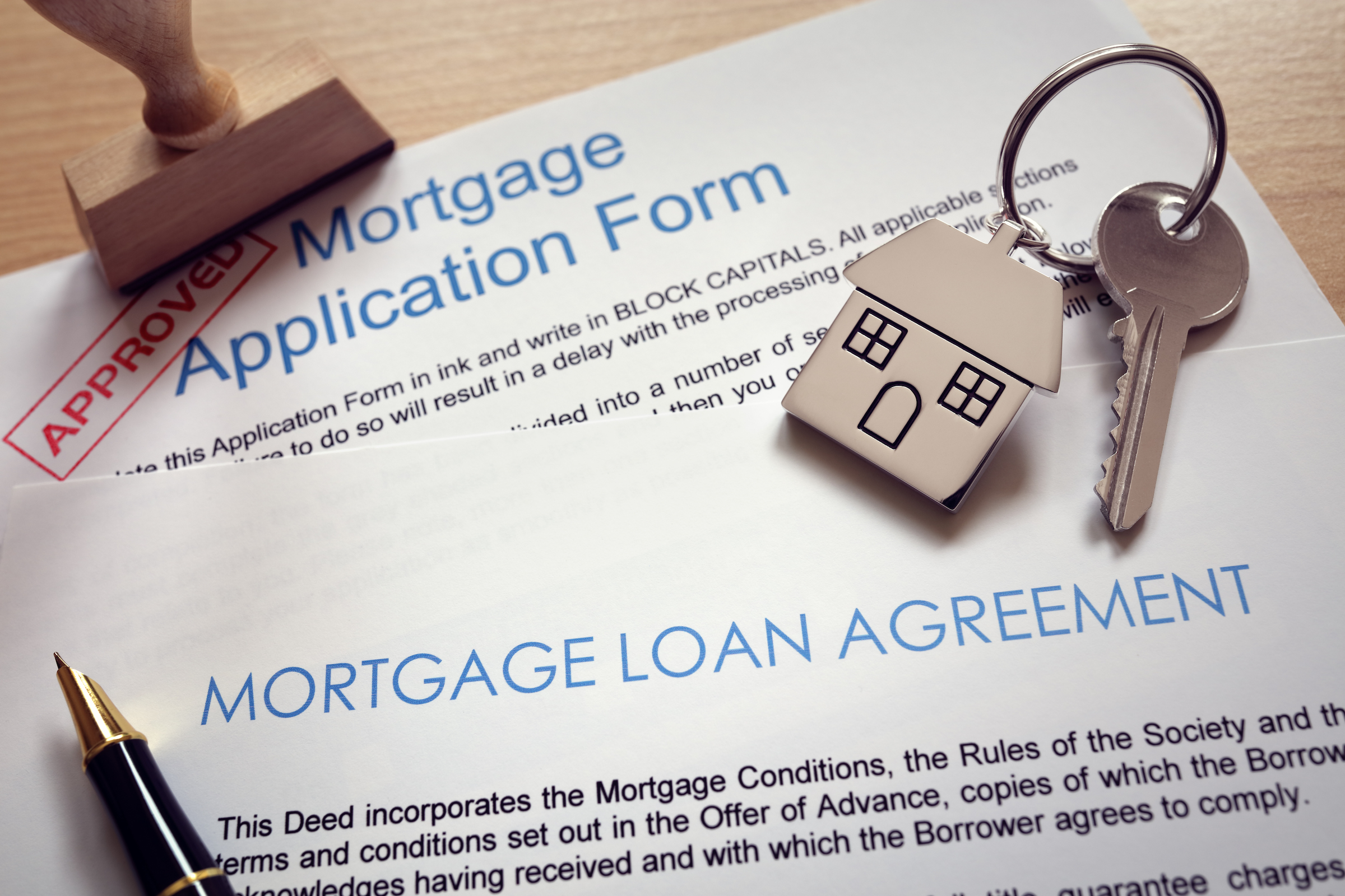 mortgage application loan agreement and house key P5ATR99